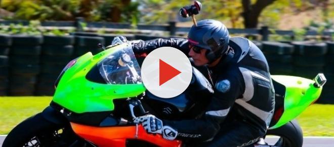 VR: uma volta de moto a 200 km/h em realidade virtual