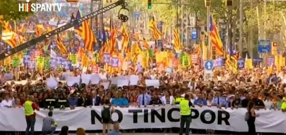 500,000 marched in Barcelona on Saturday including King Felipe VI and heads of state [Image: YouTube/ HispanTV]