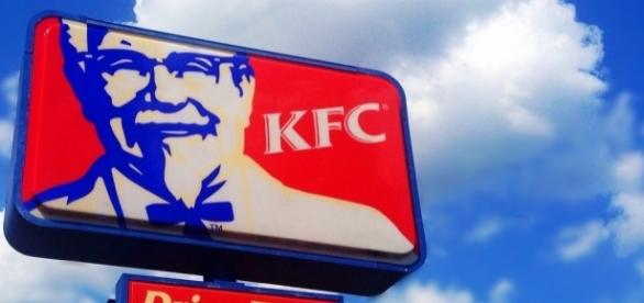 'The Hard Way' VR game launched by KFC will be used to train new employees / Photo via Mike Mozart, Flickr