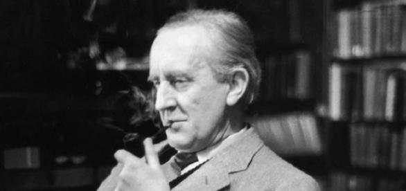 O professor e escritor J.R.R. Tolkien terá biografia cinematográfica