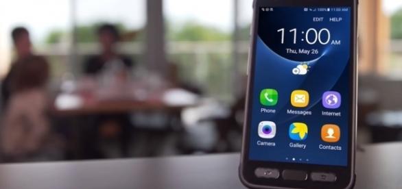 Samsung Galaxy S8 ACTIVE LIVE!!! / XEETECHCARE / YouTube Screenshot