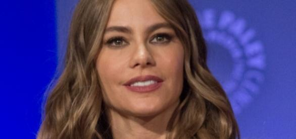 Sofia Vergara dedicates nude magazine cover to empower women. (Wikimedia/iDominick)