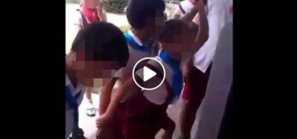 Vídeo sensual com crianças revolta - Google