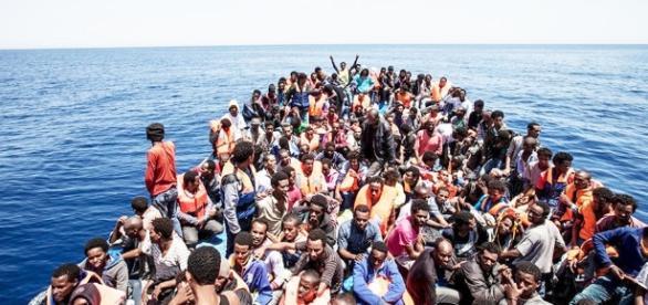 Sbarchi dei migranti: un'emergenza umanitaria da gestire meglio - lecceprima.it