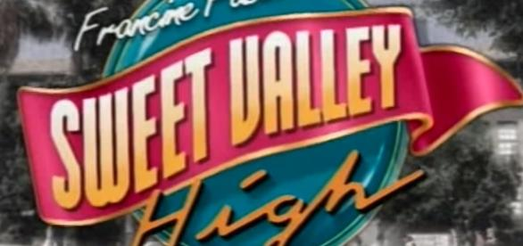 'Sweet Valley High' - YouTube screenshot | Sweet Valley High 1994/https://www.youtube.com/watch?v=JcmbBpPhNLI