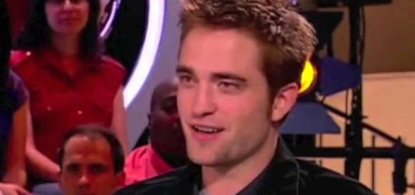 Robert Pattinson admits sex act scene with dog was just a joke. Image credit - MsChristina70/YouTube.