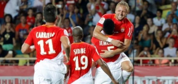 Time teve trabalho para vencer Toulouse