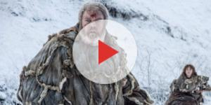 Hodor levando Bran em Game of Thrones
