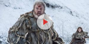 Hodor levando Bran em Game of Thrones
