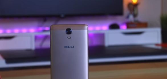 BLU smartphones are now back on Amazon listing after suspension. (via AndroidAuthority/Youtube)