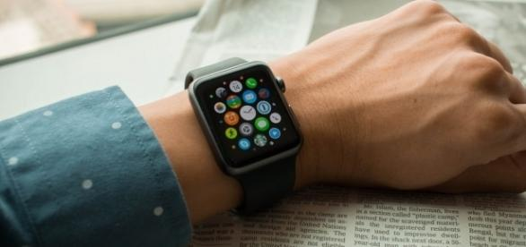 Upcoming Apple Watch may sport LTE connectivity / Photo via LWYang, Flickr