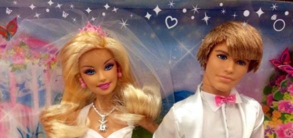 Barbie and Ken Doll Mike Mozart via Flickr
