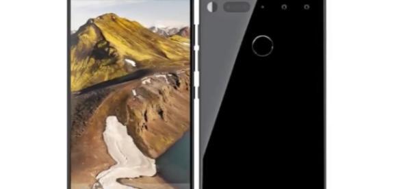 Image via Phonetech/YouTube screenshot