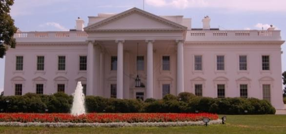 The White House in August / [Image by Shubert Ciencia via Flickr, CC BY 2.0]