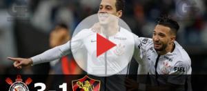 Corintianos comemoram golaço de Rodriguinho pela 19ª rodada da Série A 2017. (Foto: reprodução)