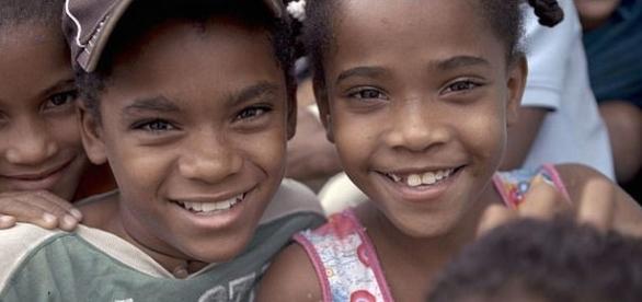 Catherine și verișoara sa Carla sunt cunoscute ca fiind 'guevedoces' , transformându-se în băieți la pubertate - Foto: BBC (Via Daily Mail)