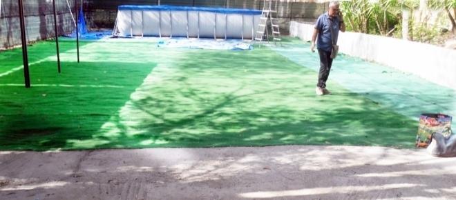 A Napoli anche piscina e campetto di calcio sono abusivi