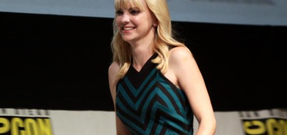 Anna Faris says she finds relationships difficult to handle. [Image via Flickr/Gage Skidmore]
