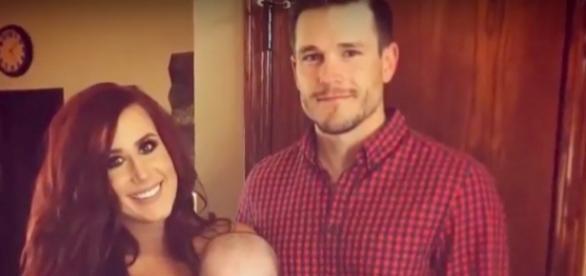 Chelsea Houska and family--via YouTube/TheFame