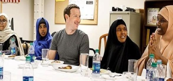 Facebook founder Mark Zuckerberg with some Somali refugees / Phot via Mark Zuckerberg , Instagram