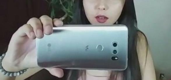 LG V30/ photo by Phone Radar via Twitter