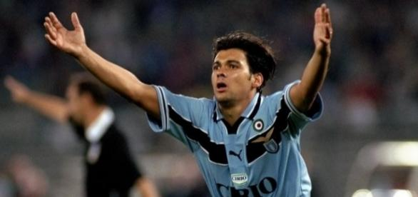 Sergio Conceicao, autore del gol che regala alla Lazio la prima Supercoppa italiana nel 1998, 2-1 in finale contro la Juventus