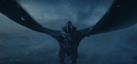 Game of Thrones: Le Roi de la Nuit chevauchant Viserion est une véritable arme de destruction massive !