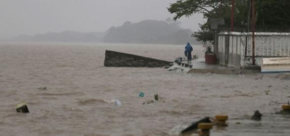 L'ouragan Katia tue deux personnes au Mexique