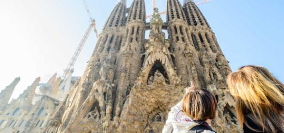 Mossos d'Esquadra mantiene desalojada la Sagrada Familia desde este mediodía (GetYourGuide - getyourguide.com)