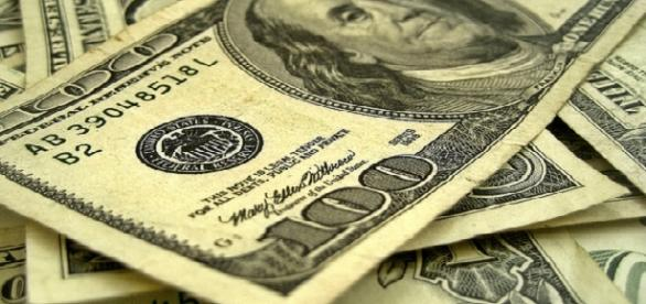 100 U.S dollar bills - Image - | 401(K) 2012 | flickr | licence CC BY-SA 2.0