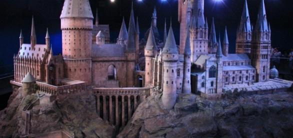 Hogwarts model at Warner Bros Studio. Photo Source: Flickr by Karen Roe
