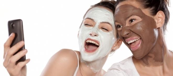 Come preparare la maschera viso con soli 3 ingredienti