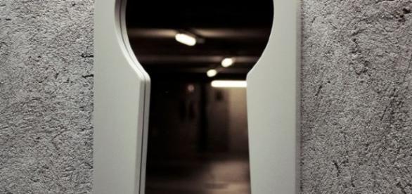 Il voyeurismo è il disturbo dei nostri giorni.