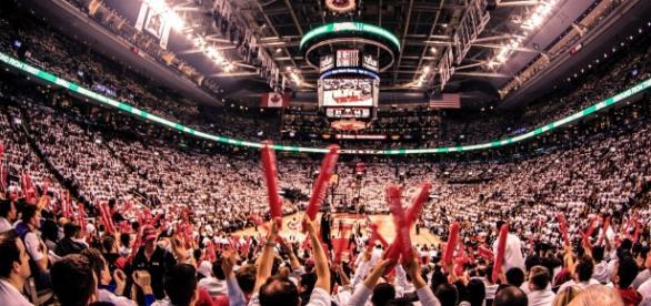 sports generate $100 billion in consumer spending Image - Shaheen Karolia (via Flickr.com)