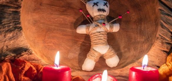 Trento: arrestata banda che schiavizzava ragazze con riti voodoo - ilparanormale.com