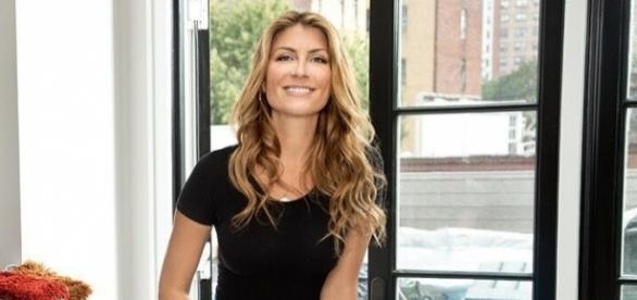 Home Design Expert And Reality TV Star Genevieve Gorder Chatted Exclusively  With Blasting News. Photo