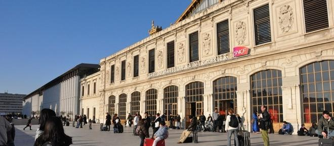 Four US tourists sprayed with acid in Marseille, France