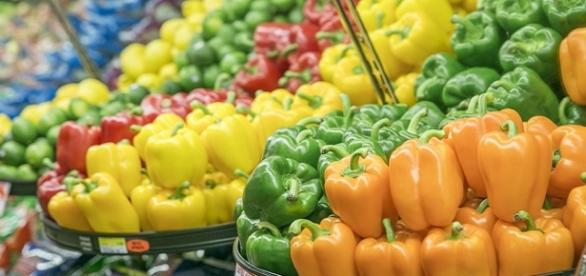 Eat a rainbow of colorful produce | Image credit: Honey Nixon/Health.mil
