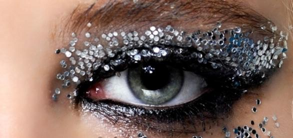 Make up glitter il trucco che illumina - Grazia.it - grazia.it