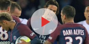 Neymar conta com apoio de Dani Alves no vestiário