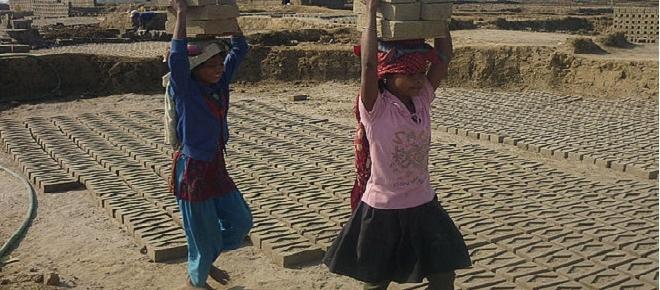 U.N report reveals that 40.3 million people were working as slaves in 2016