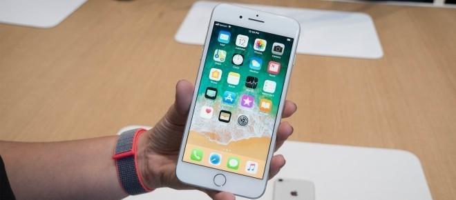 iPhone 8 avrà un vero e temibile avversario, purtroppo per Apple