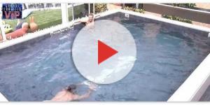 Ignazio Moser perfe il costume in piscina