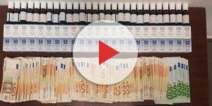 Il denaro e la droga sequestrata dalla Polizia e della Finanza. Nelle foto piccole in basso a destra, i tre arrestati.