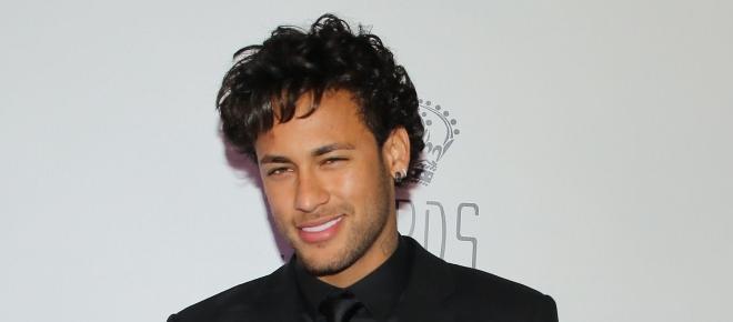 Possível affair de Neymar nega romance
