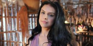 Paloma Bernardi fez Samara em 'A Terra Prometida' (Foto: Reprodução/Record TV)
