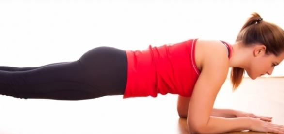 5 fitness mistakes you should never commit, in order to get best results.-Youtube/WaysAndHow