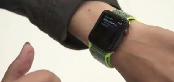 Apple Watch 3: Review of the smartwatch; (Image Credit: The Verge/Youtube screenshot)