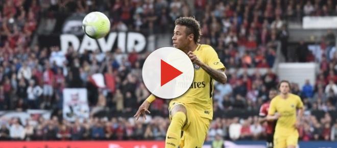 Quand la star Neymar se fait manger