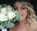 Laura Mesi prometeu que se casaria com ou sem noivo